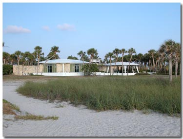 beach facilities at north beach on fort desoto.jpg